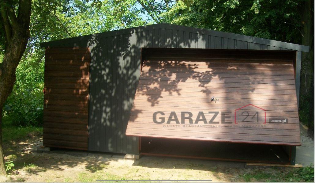 Garaż blaszany 5,5×5,5 metrów – dwuspadowy z bramą uchylną