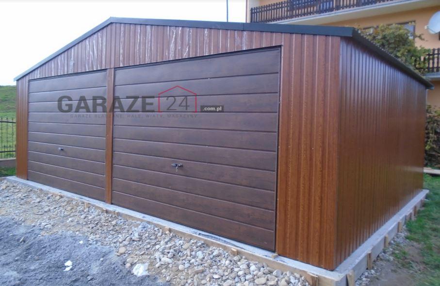 Garaż blaszany 6,5×6 metrów – złoty dąb