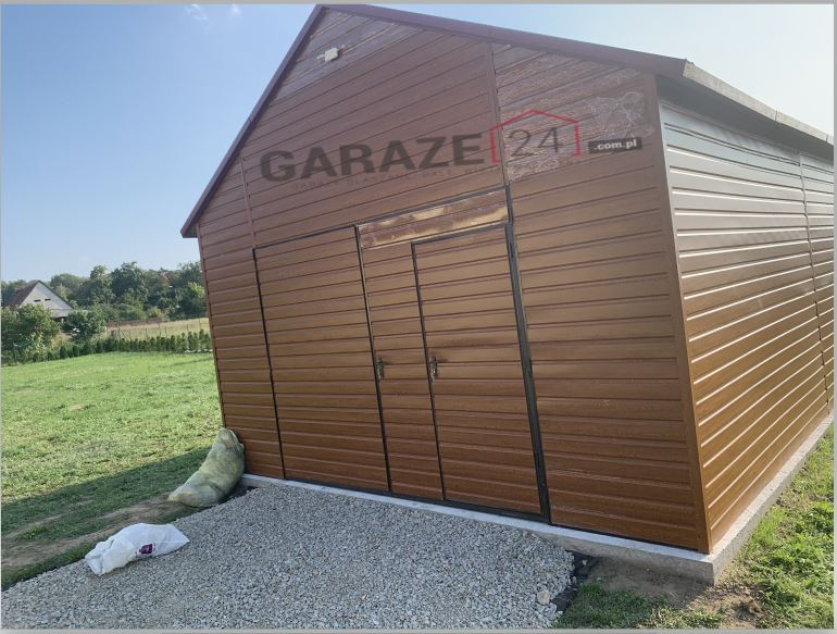 Garaż blaszany 5×7 brama dwuskrzydłowa, dwuspadowy