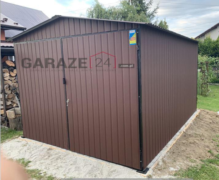 Garaż blaszany 3×3 dwuspadowy + brama dwuskrzydłowa